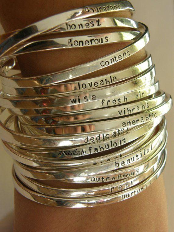 Pulseiras, mais que pulseiras...